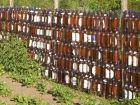 Монтируем забор из подручных материалов своими руками