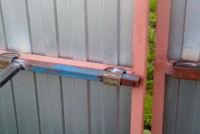 Засовы на ворота своими руками – простой вариант усиления защиты собственности