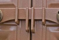 Запоры на ворота своими руками – усиленная защита частной собственности