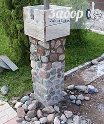 Столб из камня